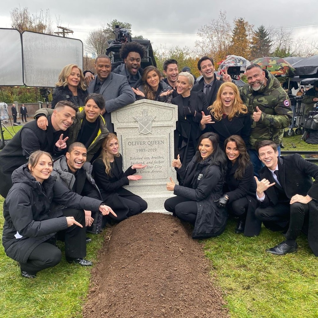 James Bamford and Cast of Arrow Surrounding Oliver's Grave